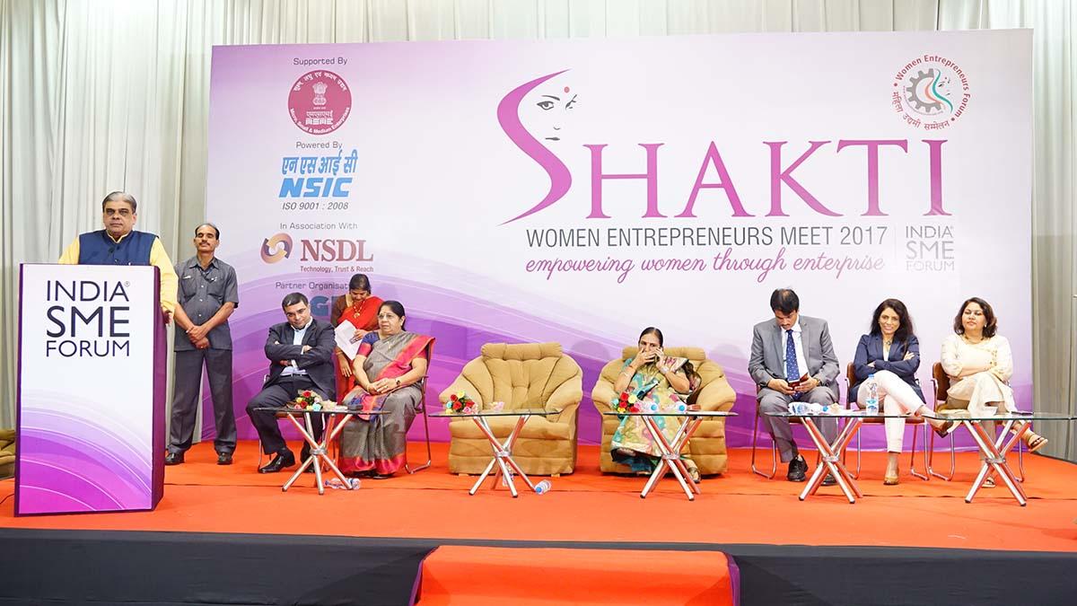 Shri. Haribhai Parthibhai Choudhary, Hon'ble Minister of State for MSME, Govt of India addressing the delegates