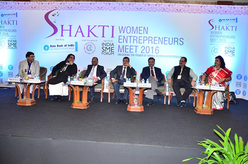 (L-R)Mr. Vinod Kumar, President, India SME Forum; Mr. Prahlad Kakar, Ad Guru & Chairman, India SME Forum; Mr.Rajnish Kumar, Managing Director, State Bank of India-National Banking;