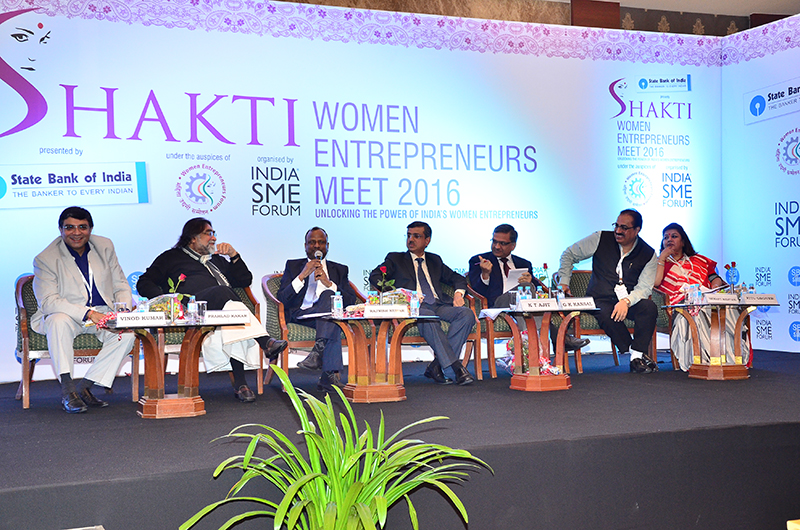 Mr.Rajnish Kumar, Managing Director, State Bank of India-National Banking replying to the query of the Entrepreneur