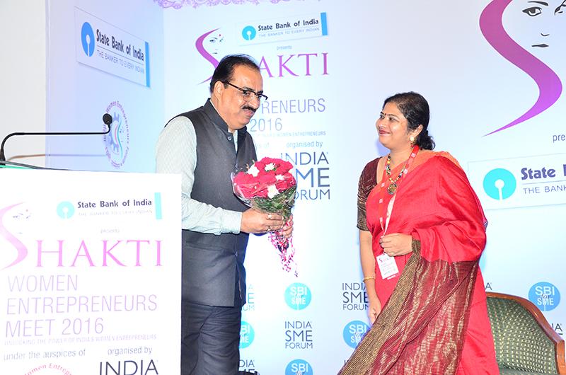 Felicitation of Mr.Hemant Mehtani,Director, Hindustan Copper Ltd. by Ms. Sushma Morthania