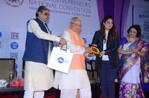 Smt Rachana Sharma, R SQUARE GROUP receiving her trophy from Shri Kalraj Mishra Union Minister for MSME & Shri Haribhai P. Chaudhary, MOS, MSME