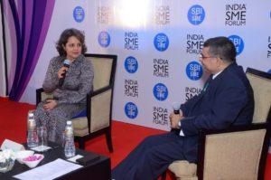 ISF President Shri Vinod Kumar in conversation with Smt. Nina Lekhi, Founder, Baggit